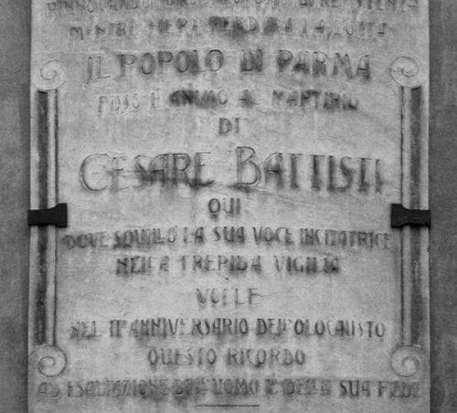 Lapide marmorea di Cesare Battisti – Parma