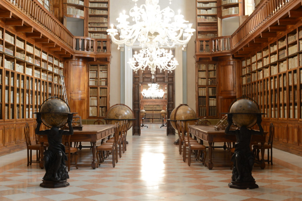 Biblioteca  Comunale Teresiana   Mantova (MN)