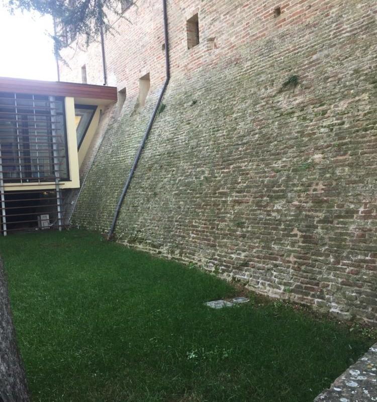 Mura urbiche palazzo municipale | Colmurano (MC)