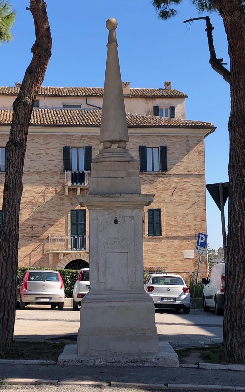 Obelischi | Loreto (AN)