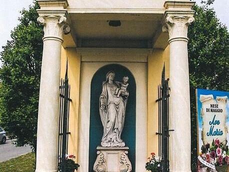 Capitello e statua della Madonna con Bambino – Torreglia (PD)