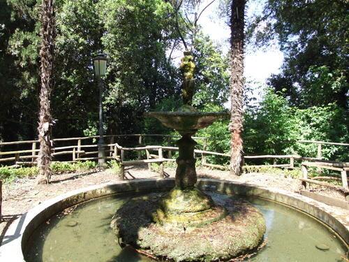 Antica Fontana da ricollocare in Piazza della Repubblica a Castelfidardo (AN)