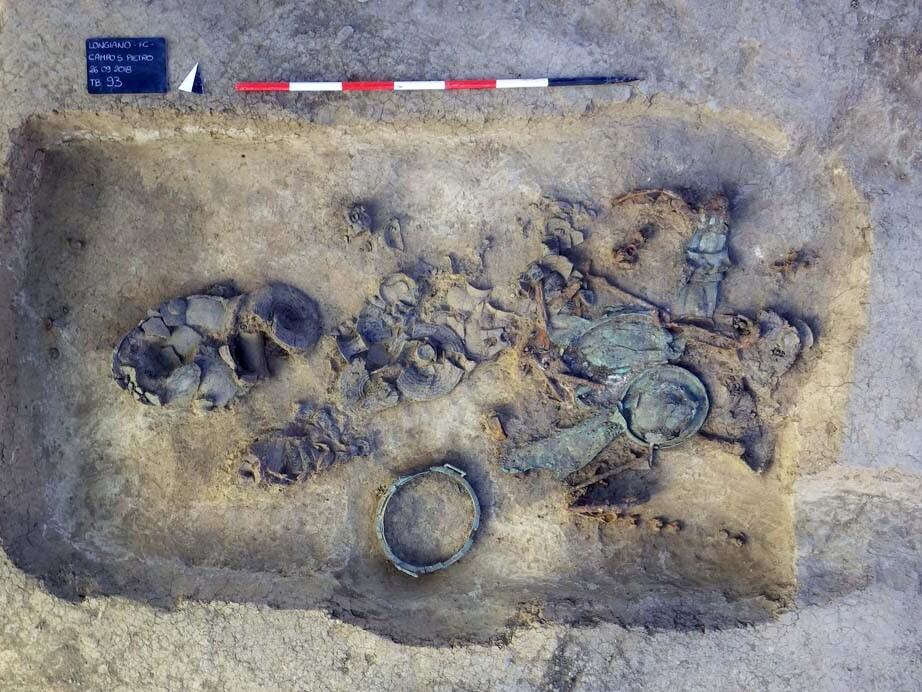 Reperti Tomba 93 Museo del Compito di Savignano sul Rubicone (FC)